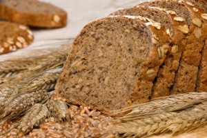 whole-grain-bread-and-cereal-1024x685